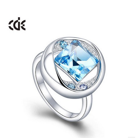 CDE® prsteň so Swarovski Elements krištáľmi